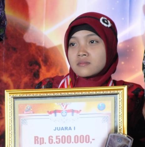 Hani Puji Astuti Sumbang Satu Medali Emas Untuk Jawa Tengah(SMPLB  Kewirausahaan)